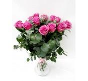 12 rosas espectaculares  en Jarrón  de cristal