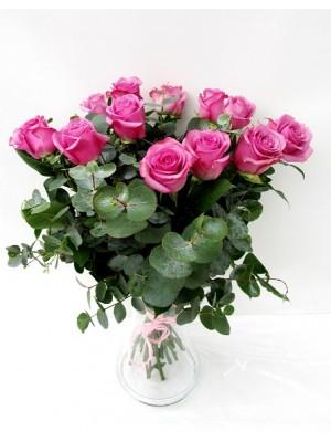 rosas espectaculares  en Jarrón  de cristal