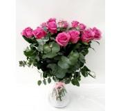 18 rosas grandes en Jarrón  de cristal
