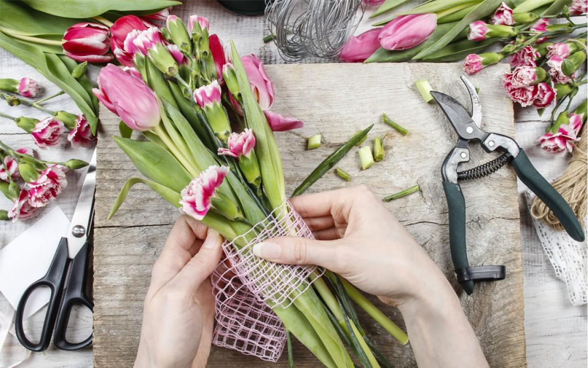 Como decorar un Jarrón de Tulipanes