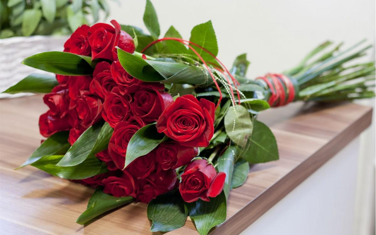 ¿Por que regalar unas Rosas Rojas?
