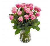 18 rosas  en Jarrón  de cristal