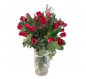 20 tulipanes rojos con relleno en jarron